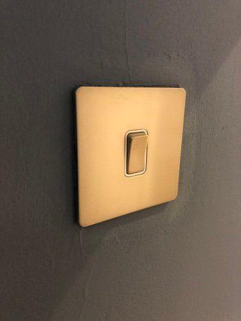 switch for lighting install hullbridge